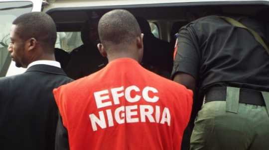Father Smuggles Hard Drugs For Son In EFCC Custody