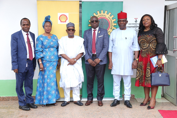 L-R: Chief Medical Director, National Hospital Abuja, Dr. Jaf Momoh; Chairman of the Governing Board of the National Hospital Abuja, Mrs. Patricia Etteh;Permanent Secretary, Federal Ministry of Health, Abdullahi Mashi; Managing Director, Shell Nigeria Exploration and Production Company (SNEPCo), Bayo Ojulari; Group General Manager, Public Affairs of Nigeria National Petroleum Company (NNPC), Ndu Ughamadu; and Deputy General Manager External Relations of Shell Nigeria, Dr. Alice Ajeh, at the inauguration of a Linear Accelerator Radiotherapy machine donated to the hospital by NNPC/SNEPCo in Abuja