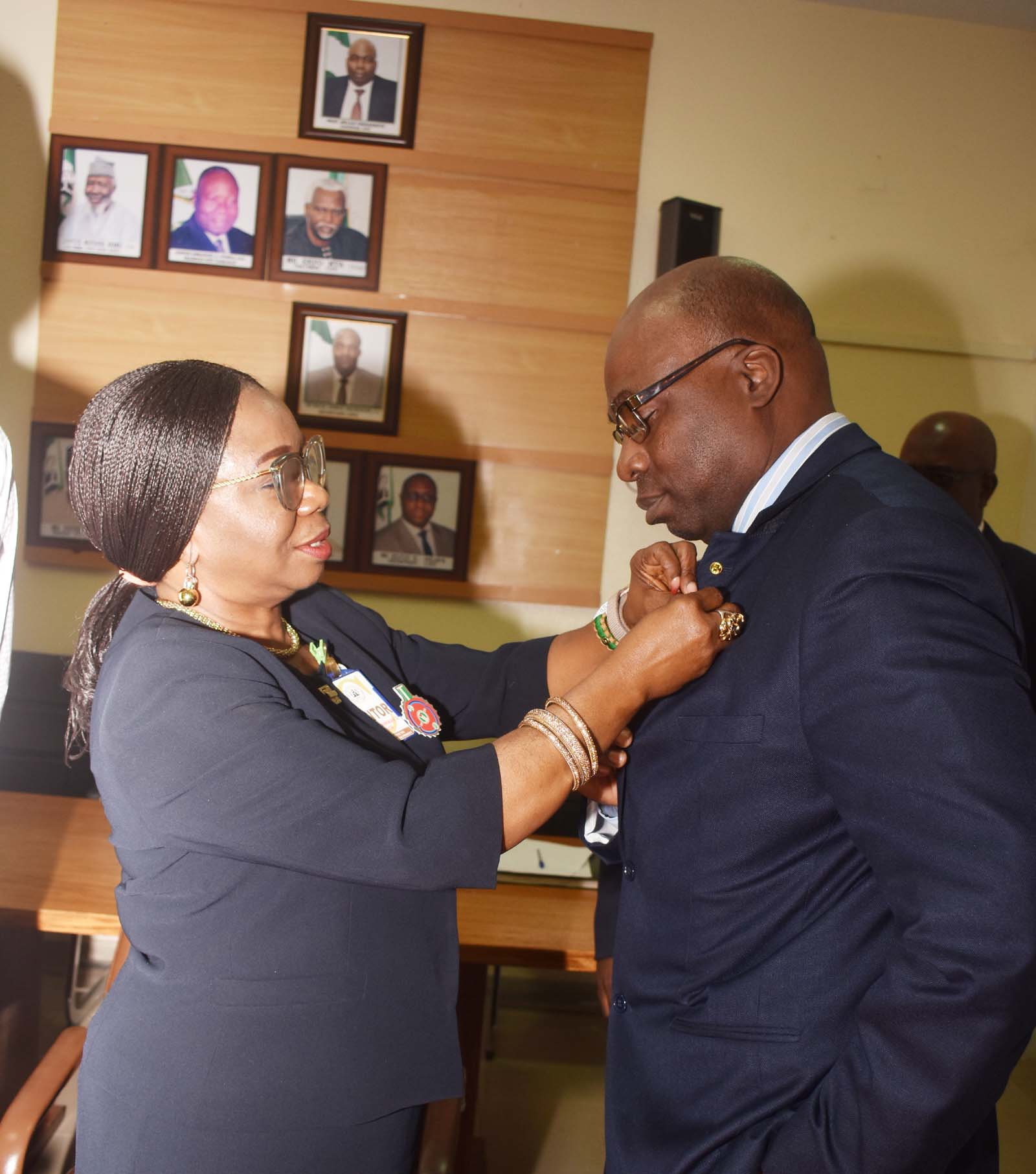 SEC and ICPC 4  L-R,  Acting Director General Securities and Exchange Commission  Ms Mary Uduk with Chairman, Independent Corrupt Practices and other Related Offences Commission  Prof Bolaji Owasanoye during a Meeting between SEC and ICPC in Abuja, Wednesday