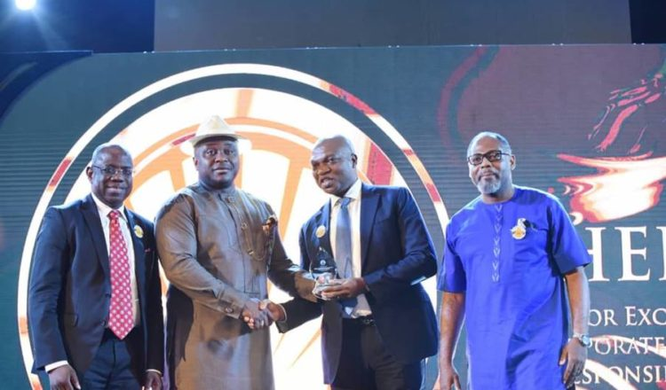Shell Nigeria bags Excellence Award in CSR at the 2020 edition of the Nigeria International Petroleum Summit in Abuja on Monday