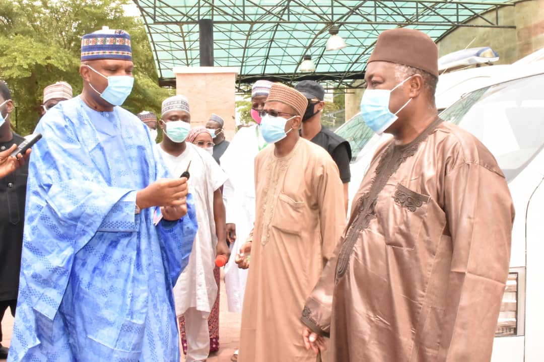 Engr. Aminu Bashar, Plant Director, BUA Cement, Sokoto Plant (2nd Right) flanked by Sada Suleiman, Head of Corporate Services, BUA Cement, Sokoto plant (Right), donating BUA Foundation ambulances to the Governor Aminu Waziri Tambuwal of Sokoto State (2nd Left) in Sokoto.