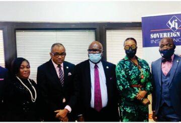 Olaotan Soyinka, MD/ CEO Sir Muftau Oyegunle, Chairman/President CIIN Ugochi Odemelam, ED Marketing Segun Bankole, DGM, Sales & Corp. Communications Mrs. Abimbola Tiamiyu, Director General CIIN